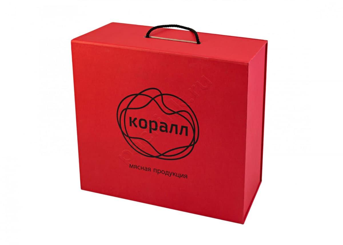 Кашированная коробка-чемодан для подарочных наборов